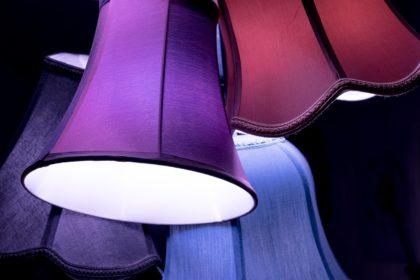 Aranżacja światłem – pomysł na dekoracje korytarza