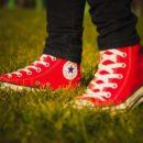 Trampki - uniwersalne buty do każdej stylizacji